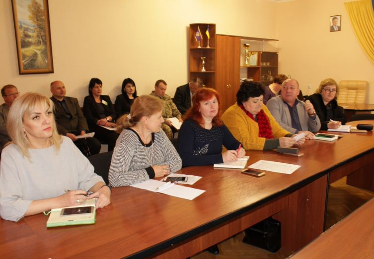 Про затвердження та виконання програми «Дитяче харчування на 2019-2020 роки» в Олешківському районі