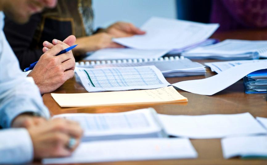 Розгляд питання у сфері поводження з рідкими побутовими відходами на засіданні комісії з АПК у Великоолександрівському районі