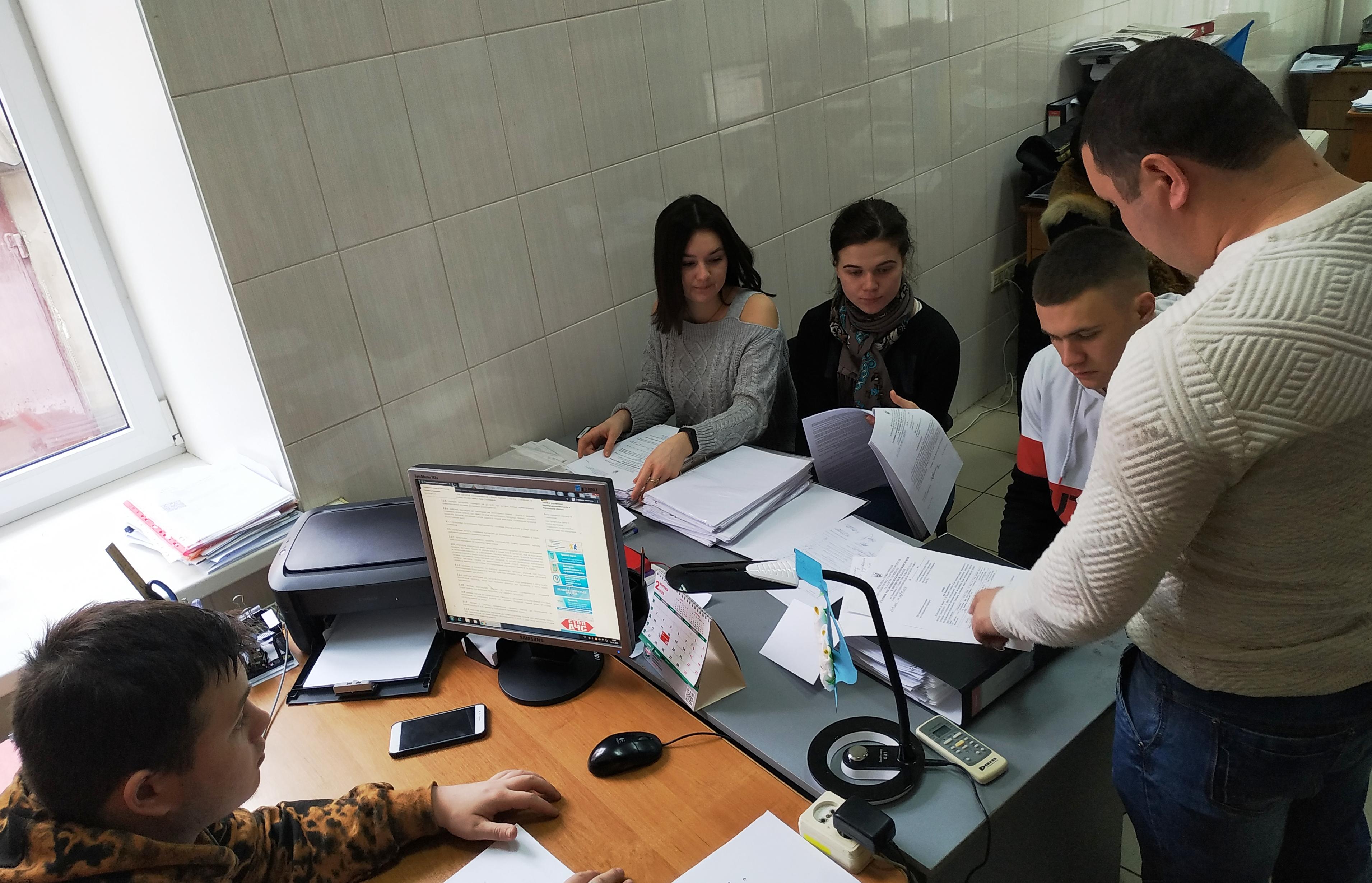 Студенти ХНТУ проходять практику в Управлінні захисту споживачів
