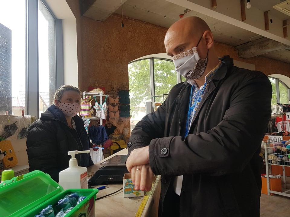 Чи дотримуються карантинних вимог заклади на Суворова – перевірили фахівці ГУ Держпродспоживслужби в Херсонській області